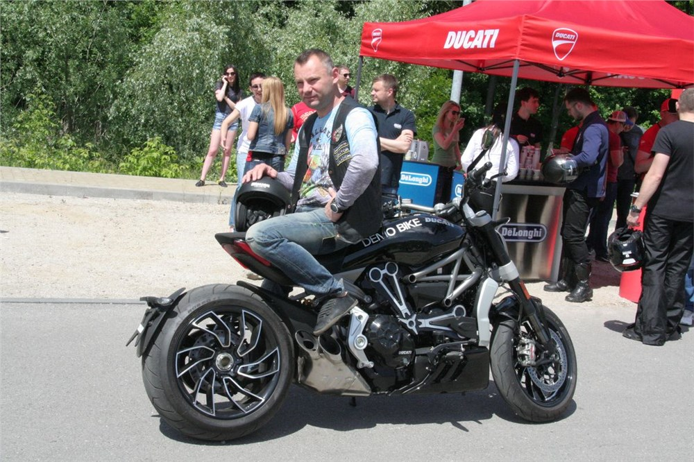 ducati hbs 9 701 132 Ducati (hbs 9-701-132) () assignment questions: 1 how does ducati create value 2 what is the economic logic behind minoli¿s turnaround efforts in which ways have they been successful & unsuccessful 3 should ducati get into cruisers class 6: innovation and product development.